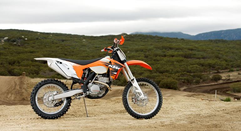 Первое место топ 10 лучших мотоциклов эндуро - мотоцикл КТМ 250 XCF